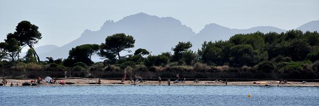 Massif de l'Esterel vu depuis l'ile Sainte Marguerite, Cannes